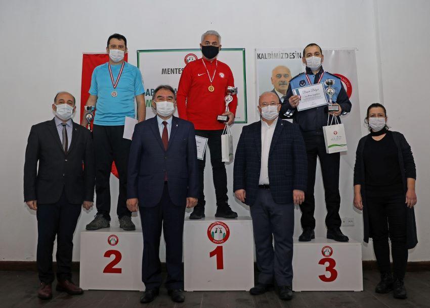 Abdullah Şinoforoğlu Masa Tenisi Turnuvasında Ödüller Sahiplerini Buldu